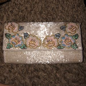 Vintage beaded w/flowers clutch